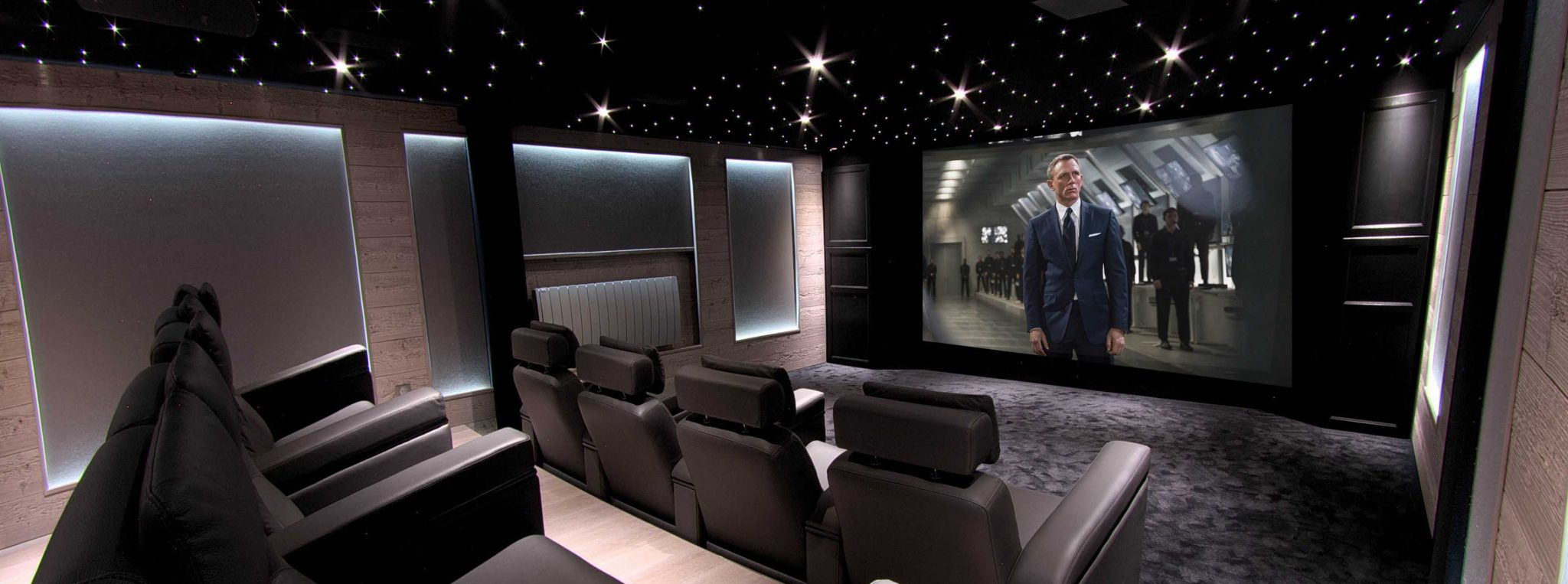 salle cinema privee columba 5. Black Bedroom Furniture Sets. Home Design Ideas